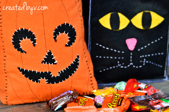 Simple to make in a short amount of time -- my kind of project! Surprise your kids this Halloween with an adorable bag of their own!