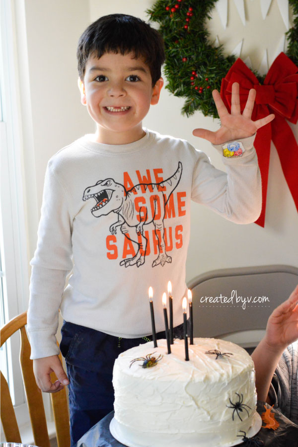 Check out this frightfully fun birthday party inspired by Tim Burton's movie, The Nightmare Before Christmas.