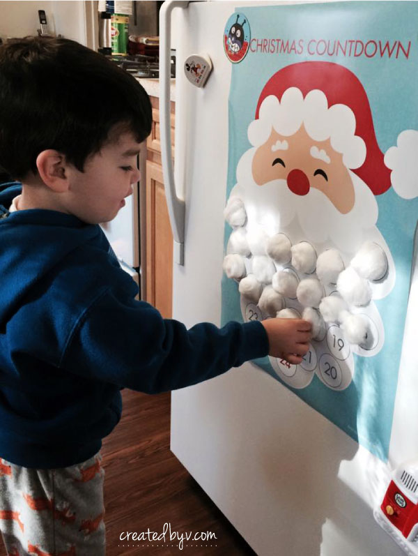 This Christmas Countdown is such a simple and fun activity for kids to get ready for Santa's arrival! Printable by Sarah Preston at Tomfo.